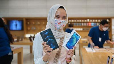Cerita Orang Indonesia Pemilik iPhone 12 Pertama yang Mejeng di Tweet Bos Apple