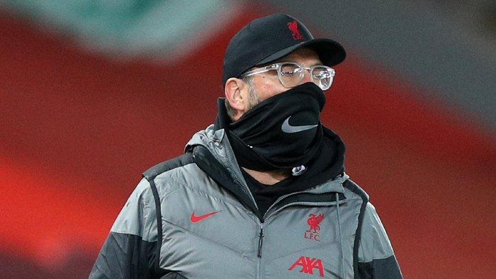 LIVERPOOL, ENGLAND - OCTOBER 24: Jurgen Klopp, Manager of Liverpool looks on during the Premier League match between Liverpool and Sheffield United at Anfield on October 24, 2020 in Liverpool, England. Sporting stadiums around the UK remain under strict restrictions due to the Coronavirus Pandemic as Government social distancing laws prohibit fans inside venues resulting in games being played behind closed doors. (Photo by Peter Byrne - Pool/Getty Images)