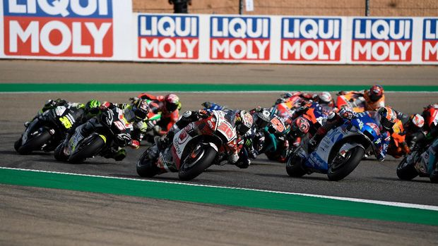 Riders compete in the MotoGP Grand Prix of Teruel at the Motorland circuit in Alcaniz on October 25, 2020. (Photo by PIERRE-PHILIPPE MARCOU / AFP)