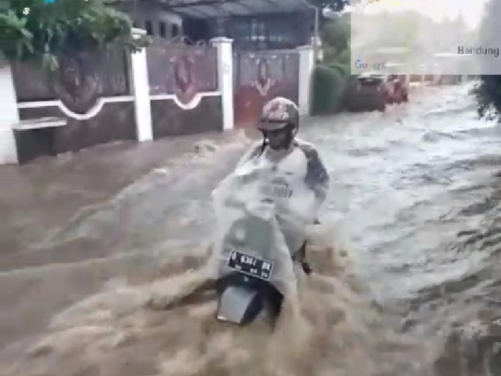 Pemotor di Bandung Terseret Banjir, Camat Sukajadi: Korban Selamat