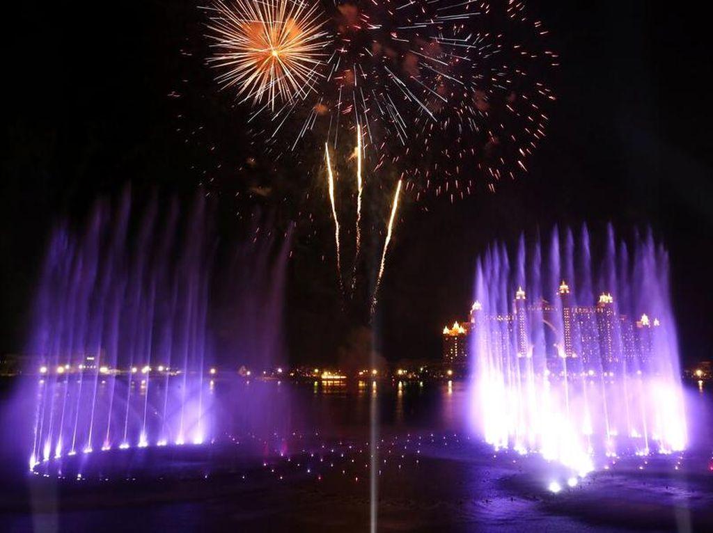 Rekor! The Palm Fountain Dubai Jadi Air Mancur Terbesar di Dunia