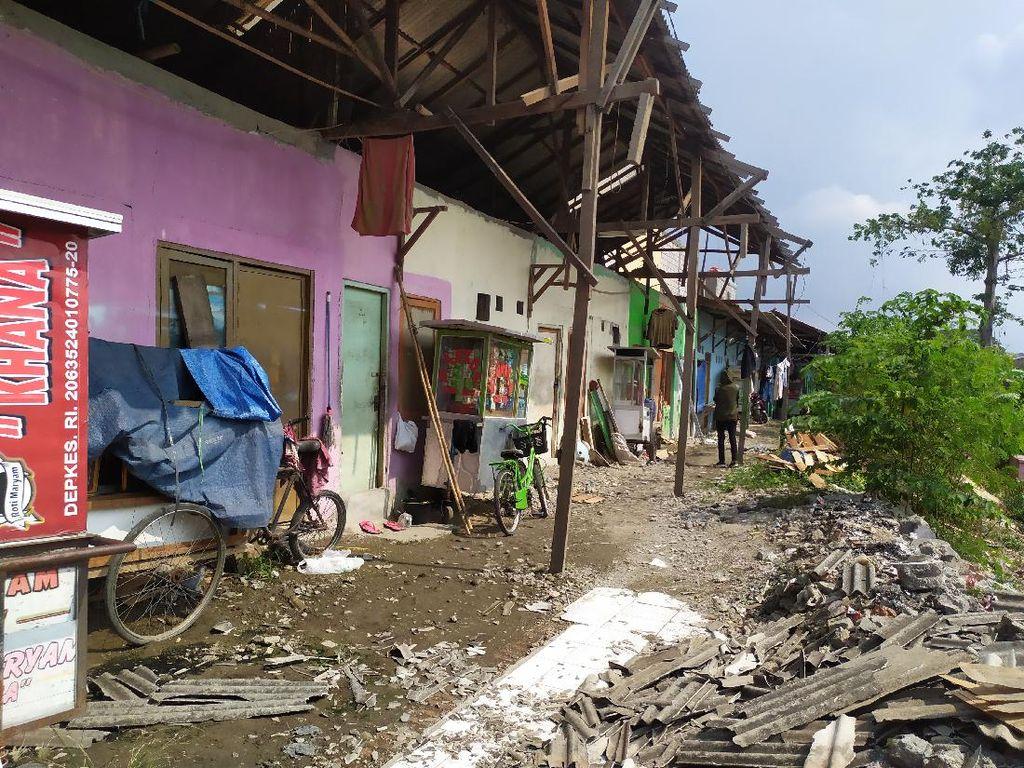 Warga Babelan Bekasi Mulai Perbaiki Rumah Usai Diterjang Puting Beliung