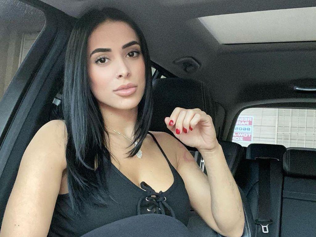 Momen Dramatis Model Seksi Bela Diri Saat Pencuri Bersenjata Masuk ke Rumah