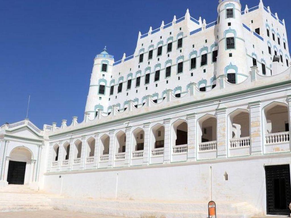 Istana Bata Lumpur Seiyun di Yaman Terancam Runtuh di Tengah Perang Saudara