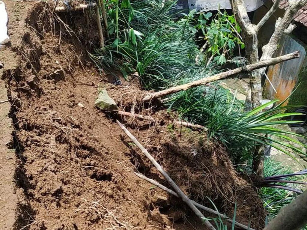 Sehari 14 Titik Longsor di Banjarnegara, Warga Terdampak Mengungsi