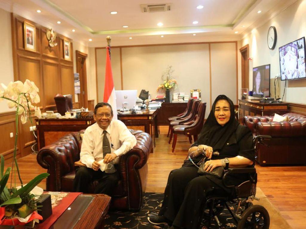 Rachmawati Soekarnoputri Datangi Mahfud Md, Bahas Demo-Keamanan RI