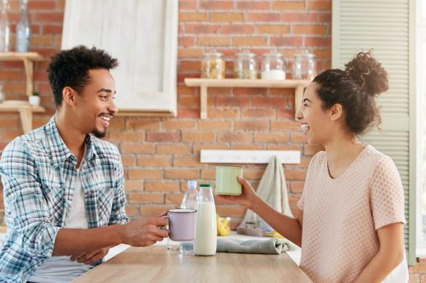 Sebelum kamu menemui calon mertuamu, ada baiknya kamu mencari tahu tentang keluarga pasangan terlebih dulu.