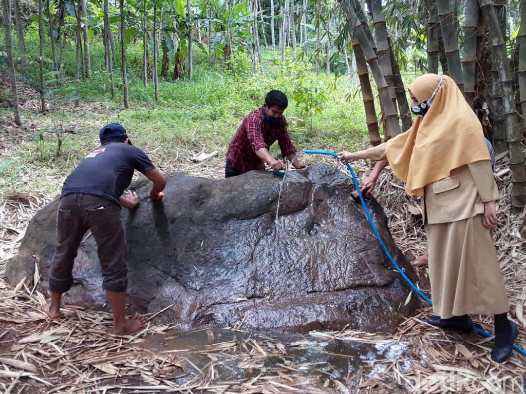 Melihat Konservasi Arca Ganesha-Watu Wayang di Semarang