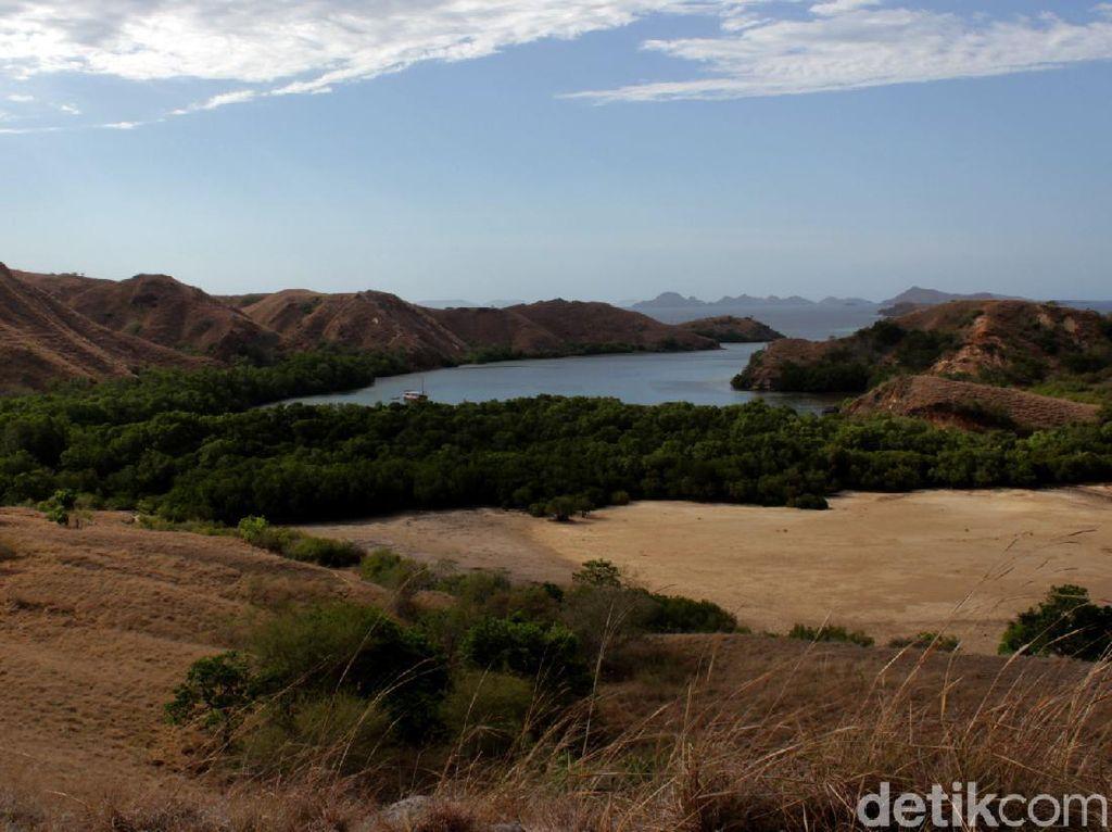 Pesona Rumah Komodo di Loh Buaya Pulau Rinca