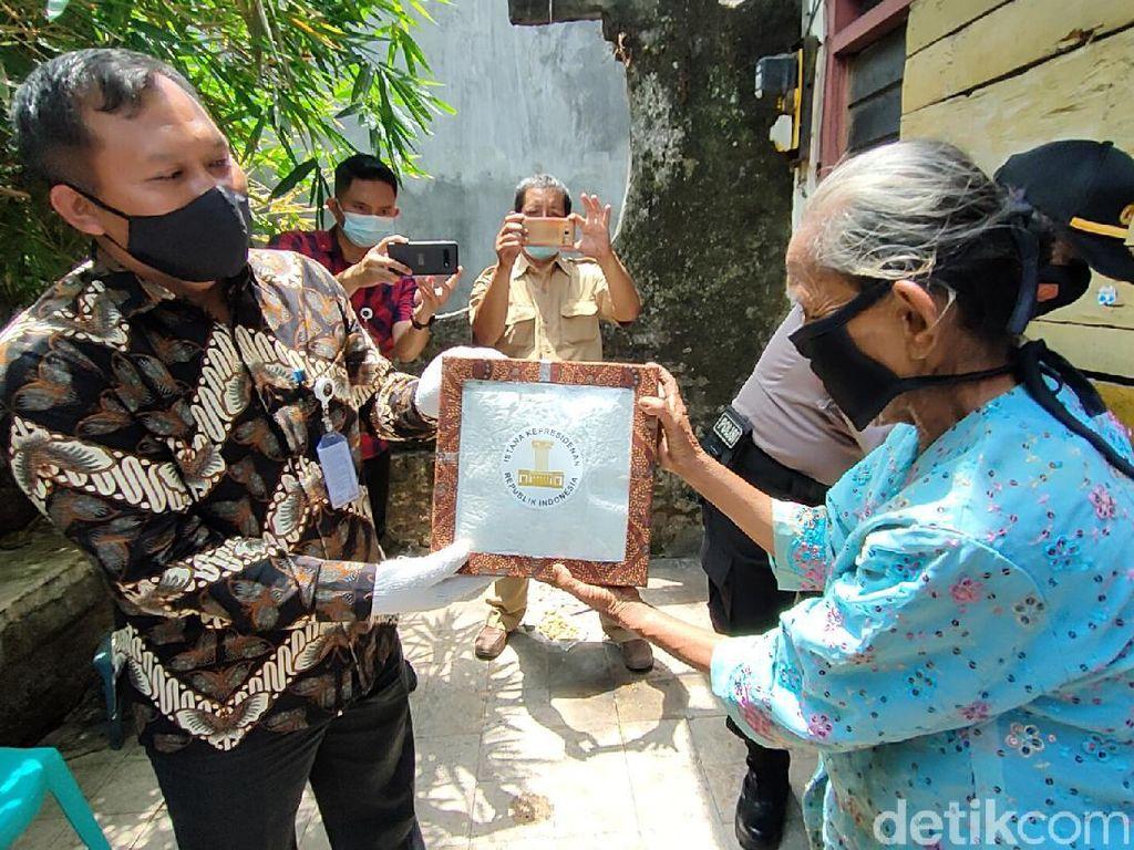 Mbah Sumirah di Kota Kediri yang Viral Dapat Bantuan Presiden Jokowi