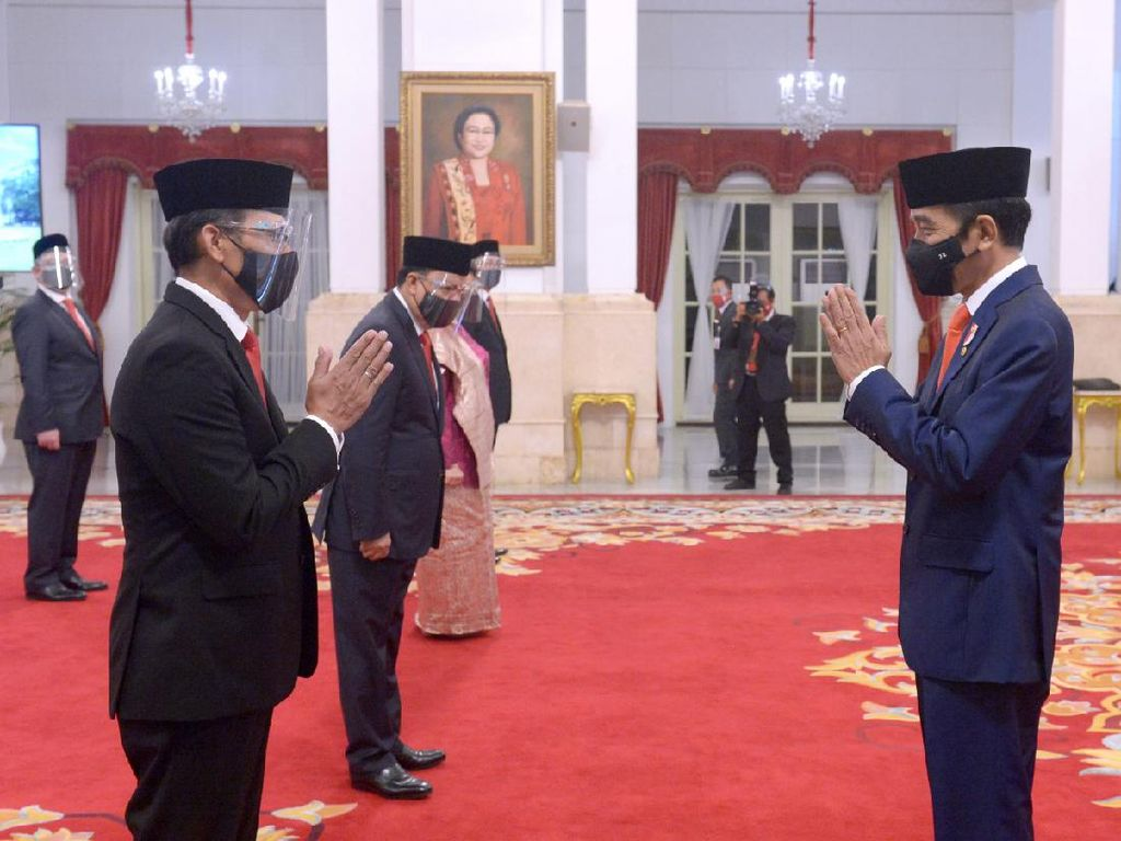 Jokowi Lantik 12 Dubes RI, Termasuk Politikus Golkar Roem Kono