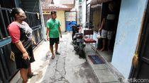 Relawan Sumbang Makanan untuk Warga Karantina Mandiri di Solo