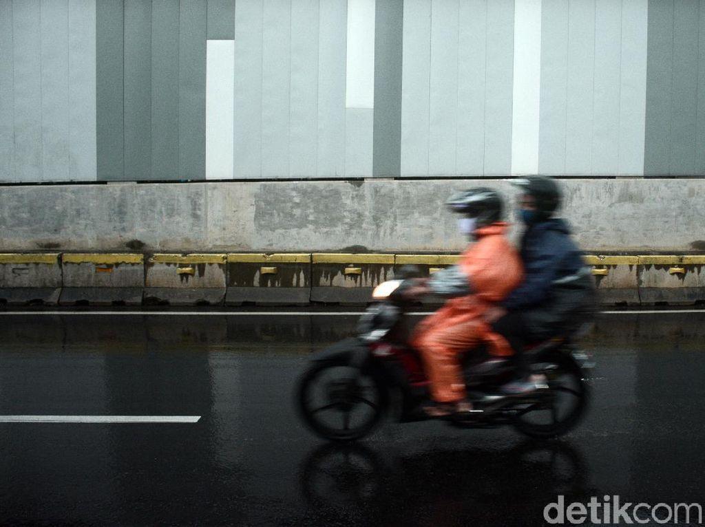 Waspada Cuaca Buruk 26 Kab/Kota di Jawa Timur Siang hingga Malam Hari