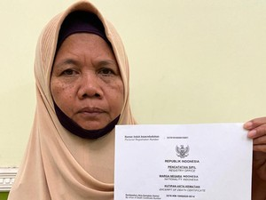 Perjuangan Warga Surabaya Nekat ke Kemendagri Urus Akta Kematian Anak