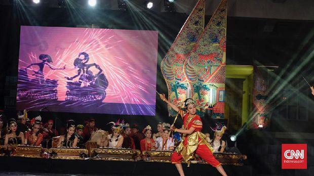Festival Tari Semarangan digelar Minggu (25/10) secara virtual tanpa penonton di Kampung Budaya Kampus Unnes Sekaran Semarang. Masyarakat dapat menikmatinya secara LIVE lewat YouTube.