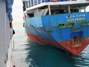 Kapal Kandas di Pulau Selayar Sulsel, 32 Penumpang Dievakuasi