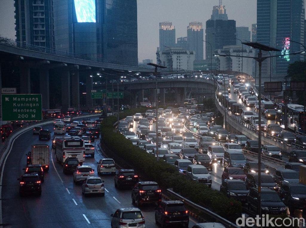 Kelakar Anies Jam 2 Pagi Sepi, Ini Jam Paling Macet di Jakarta
