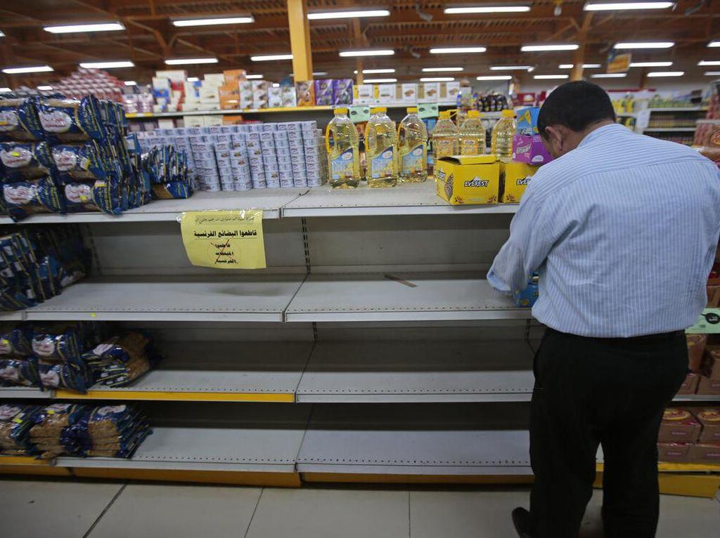 Video Produk Prancis Disingkirkan dari Rak Supermarket di Yordania