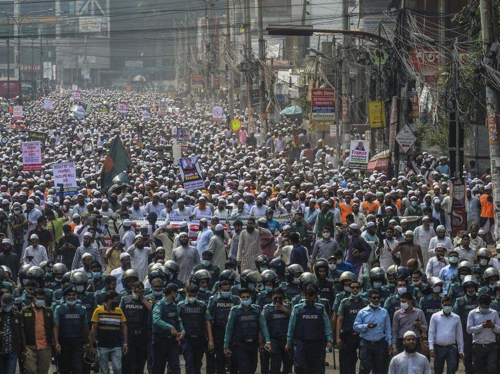 Video Unjuk Rasa di Bangladesh Kecam Presiden Emmanuel Macron