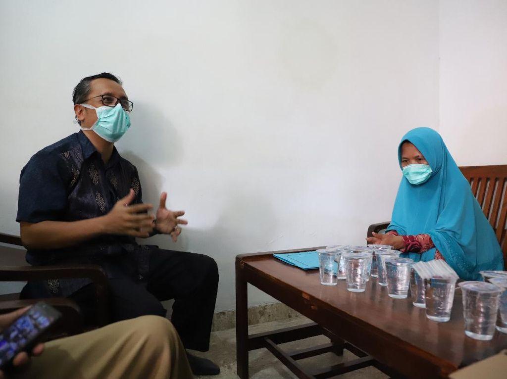 Pemkot Surabaya Ganti Biaya Transport Warga yang Urus Akta Kematian ke Kemendagri