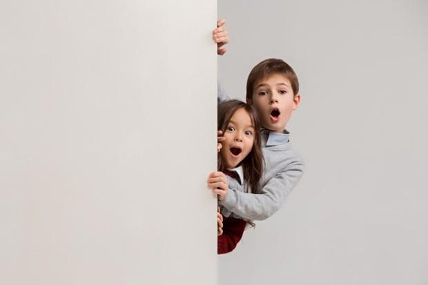 Banyak anak-anak merasa canggung karena orangtuanya kerap menutup pintu dan mengunci kamar pada malam hari. Mereka terkadang mempertanyakan apa yang orangtua lakukan pada malam hari di kamar.