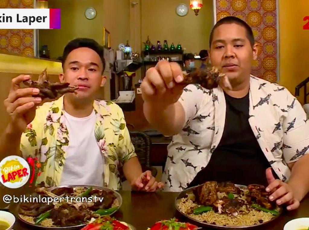 Bikin Laper! Nasi Mandi Daging Kambing yang Nikmat Aromatik