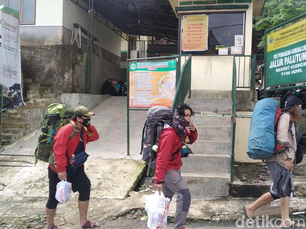 Cuti Bersama, Traveler Jakarta Pilih Mendaki Gunung Ciremai