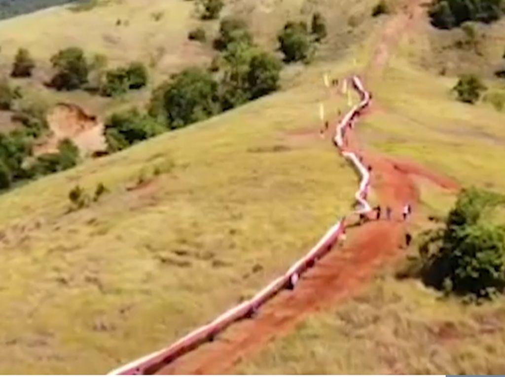 Hari Sumpah Pemuda, Merah Putih Membentang 200 Meter di Konawe