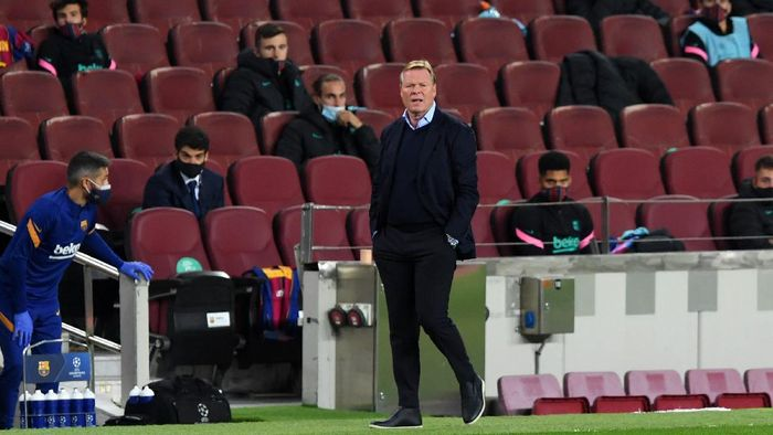 BARCELONA, SPAIN - OCTOBER 20: Ronald Koeman, Head Coach of FC Barcelona reacts during the UEFA Champions League Group G stage match between FC Barcelona and Ferencvaros Budapest at Camp Nou on October 20, 2020 in Barcelona, Spain. Sporting stadiums around Europe remain under strict restrictions due to the Coronavirus Pandemic as Government social distancing laws prohibit fans inside venues resulting in games being played behind closed doors. (Photo by Alex Caparros/Getty Images)