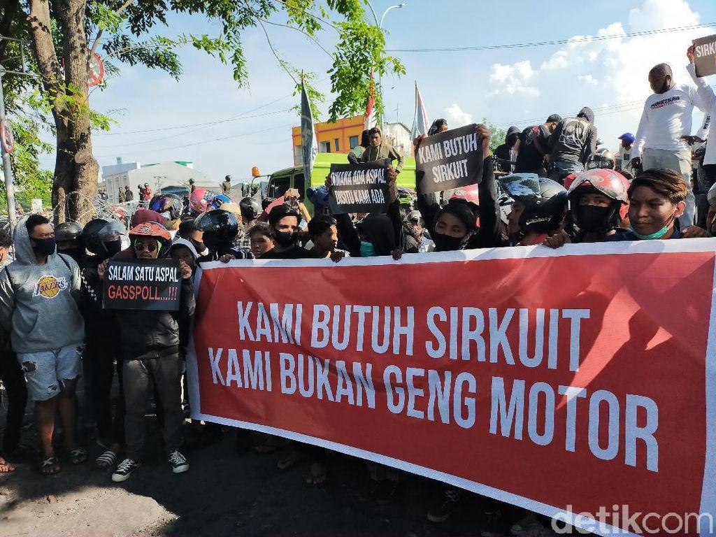 Komunitas Motor di Makassar Geruduk DPRD Sulsel, Minta Dibuatkan Sirkuit
