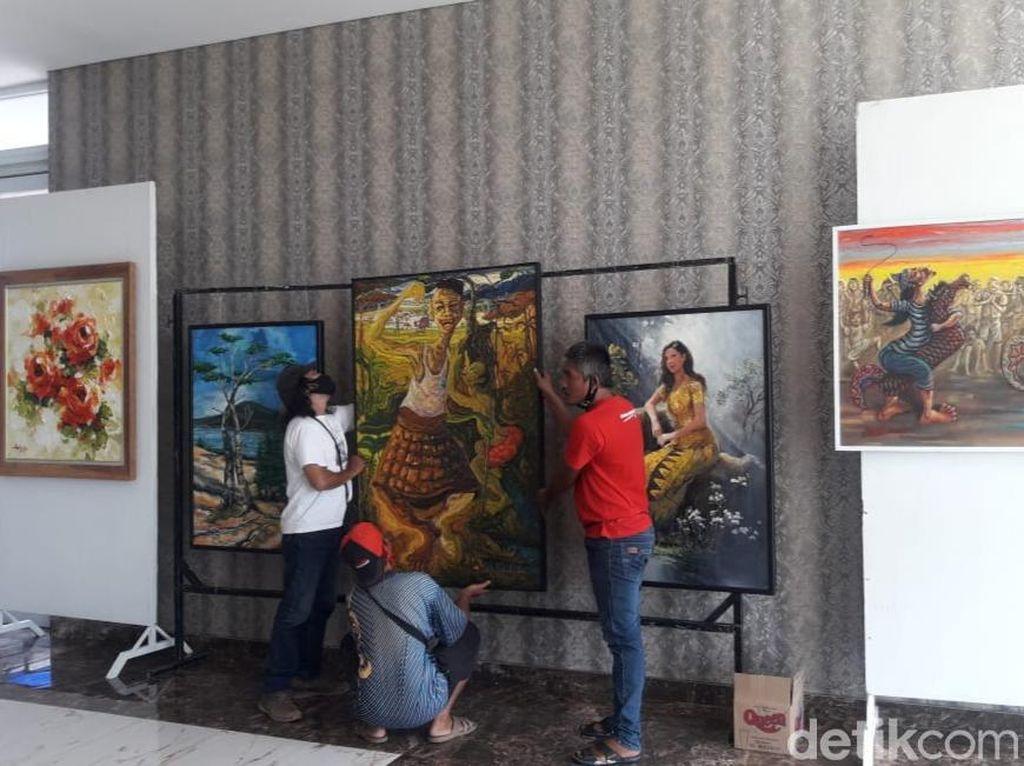 Kolaborasi dengan Hotel, Pelukis Banyuwangi Pameran Meski Pandemi COVID-19