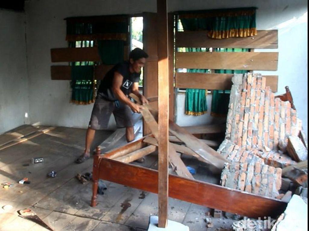 17 Rumah Warga di Mamuju Tengah Sulbar Rusak Akibat Gempa M 5,3