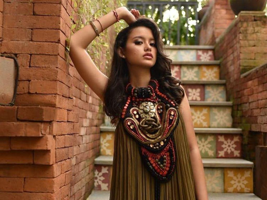 Gaya Sarah Menzel, Anak Bos Resort Bali Kekasih Anak Anang-Krisdayanti