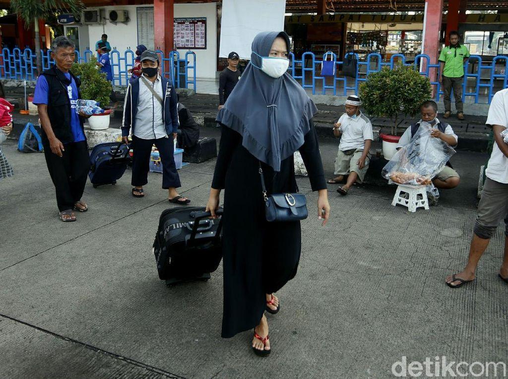 Terkini! Suasana di Terminal Kampung Rambutan