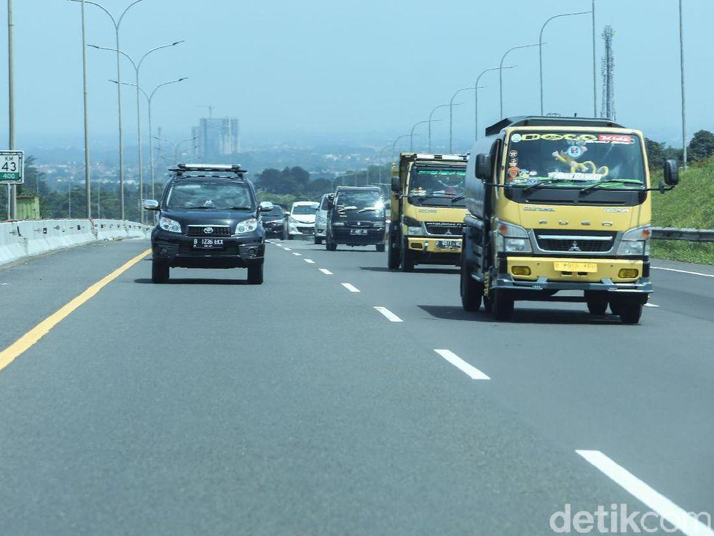 Video Contraflow di Tol Jagorawi KM 44-46 Arah Puncak