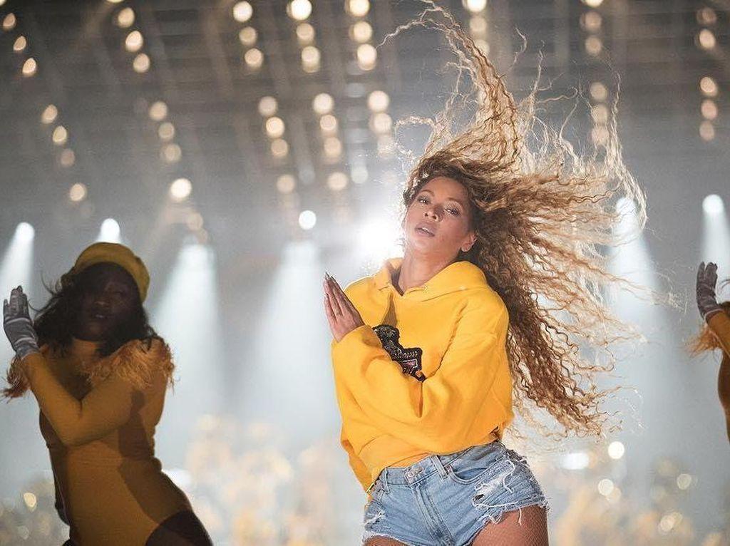 Beyonce hingga Selena Gomez Pamer Foto Usai  Gunakan Hak Suara