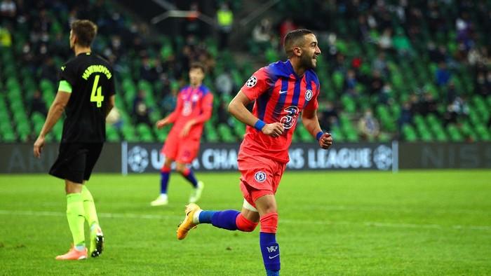 Hakim Ziyech mencetak gol perdananya untuk Chelsea ke gawang FC Krasnodar