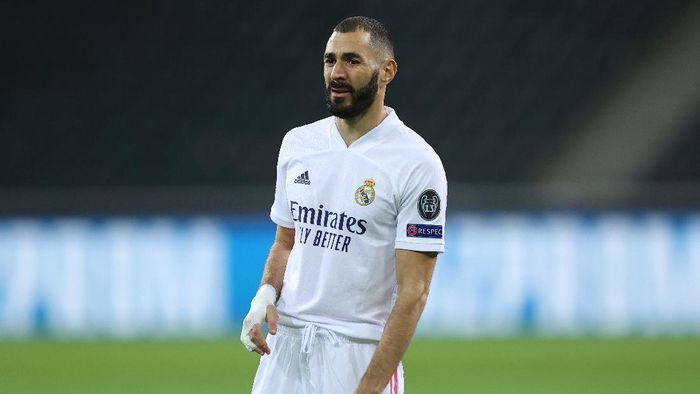 MOENCHENGLADBACH, GERMANY - OCTOBER 27: Karim Benzema of Madrid is seen during the UEFA Champions League Group B stage match between Borussia Moenchengladbach and Real Madrid at Borussia-Park on October 27, 2020 in Moenchengladbach, Germany. (Photo by Lars Baron/Getty Images)