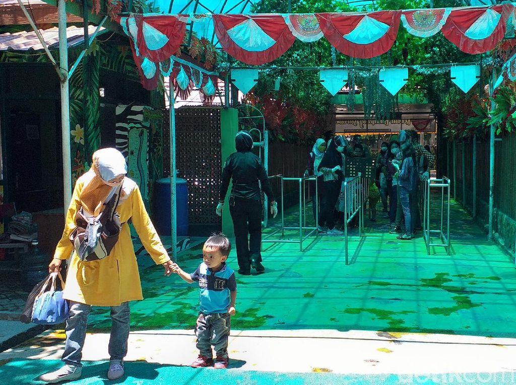 Kebun Binatang Surabaya Tetap Beroperasi Selama PPKM di Surabaya Raya