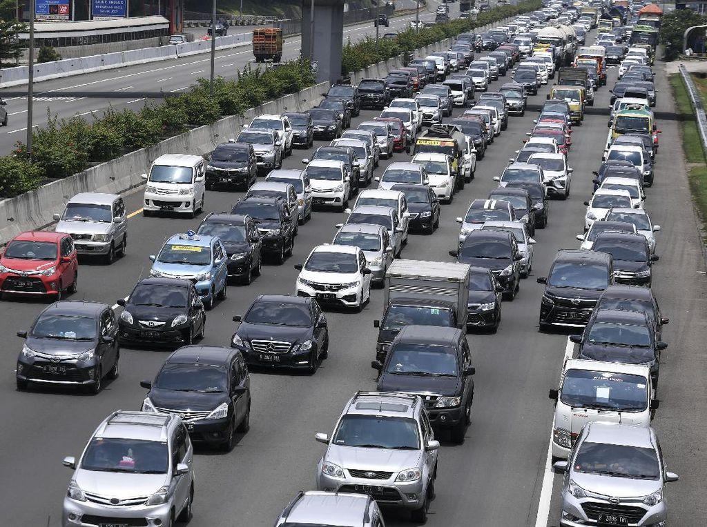 153.985 Unit Mobil Tinggalkan Jabodetabek di Hari Libur Isra Miraj