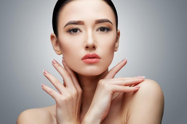 Adapun dampak yang bisa dirasakan adalah kulit menjadi lebih sensitif, mengelupas, kering dan sering meradang