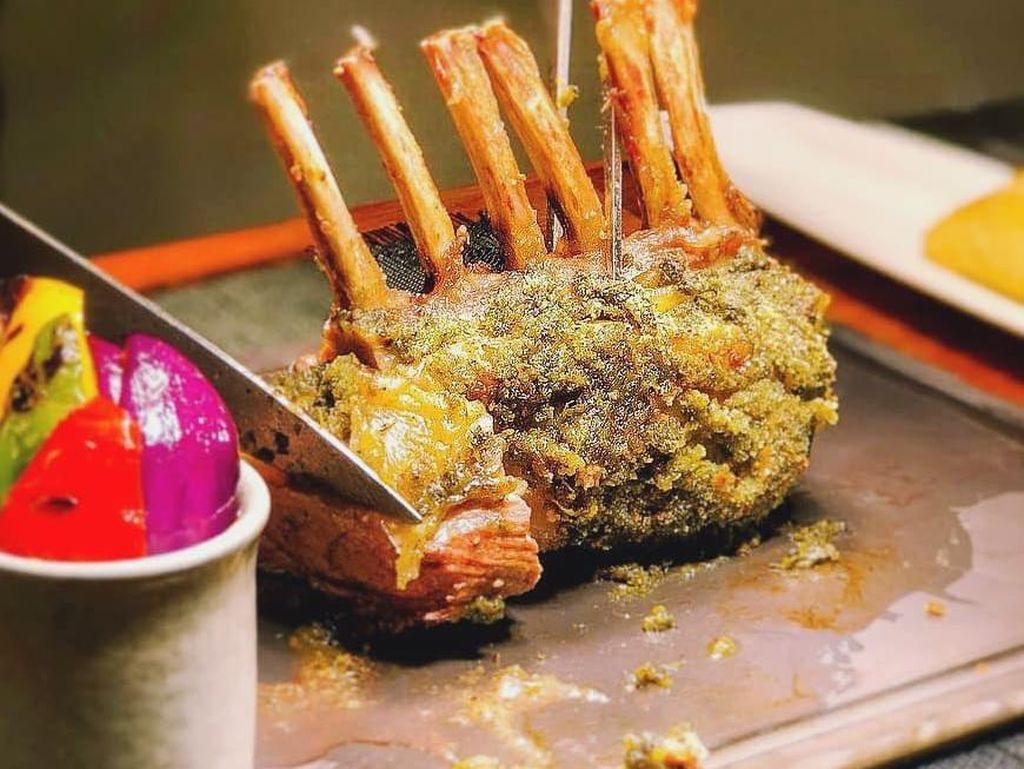 Tak Kalah dengan Daging Sapi, Daging Domba Australia Juga Empuk Juicy