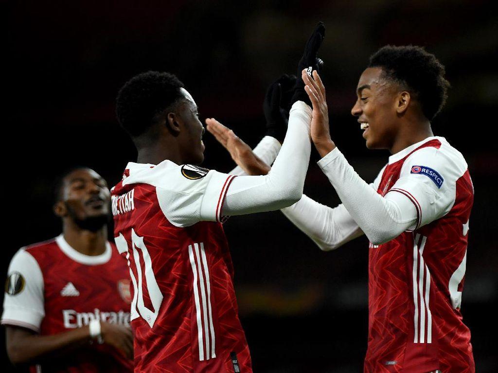 Video Arsenal Vs Dundalk: The Gunners Muda Menang Telak 3-0