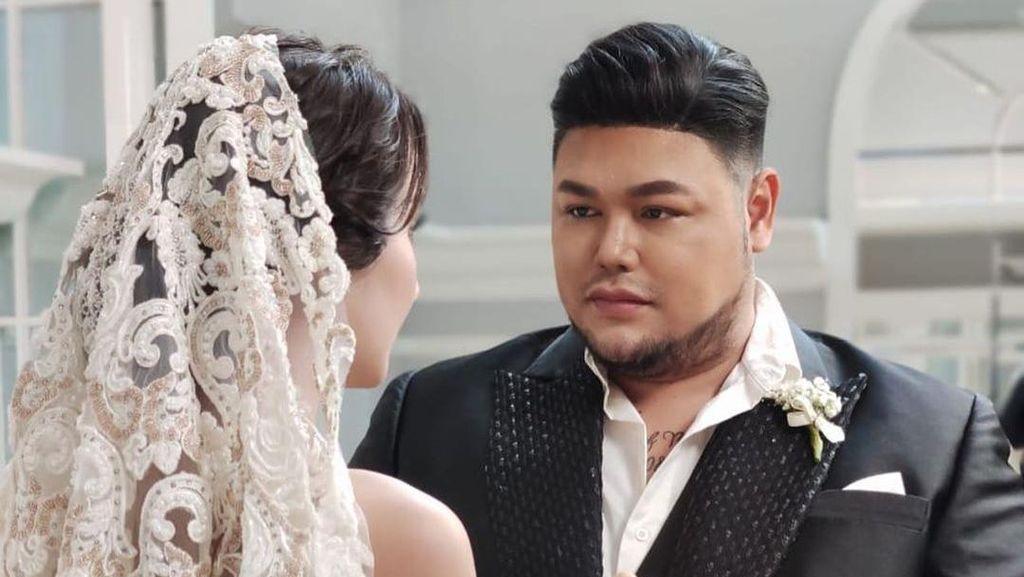 Intip 7 Foto Prewedding Ivan Gunawan dengan Juara Kontes Kecantikan