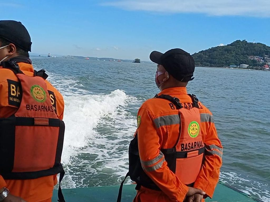Kapal Nelayan Terbalik di Teluk Balikpapan, 2 Orang Hilang