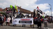 Massa Demo di Yogya Tuntut Presiden Prancis Minta Maaf ke Umat Islam