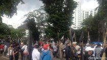 Kecam Penghina Nabi, Masyarakat Cinta Rasullah Gelar Aksi di Gedung Sate