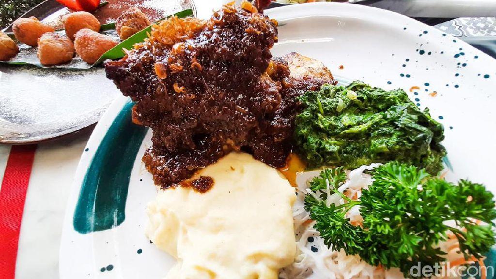Yuk! Cicip Iga Bakar dan Ayam Gairah Buatan Restoran Instagramable Bogor
