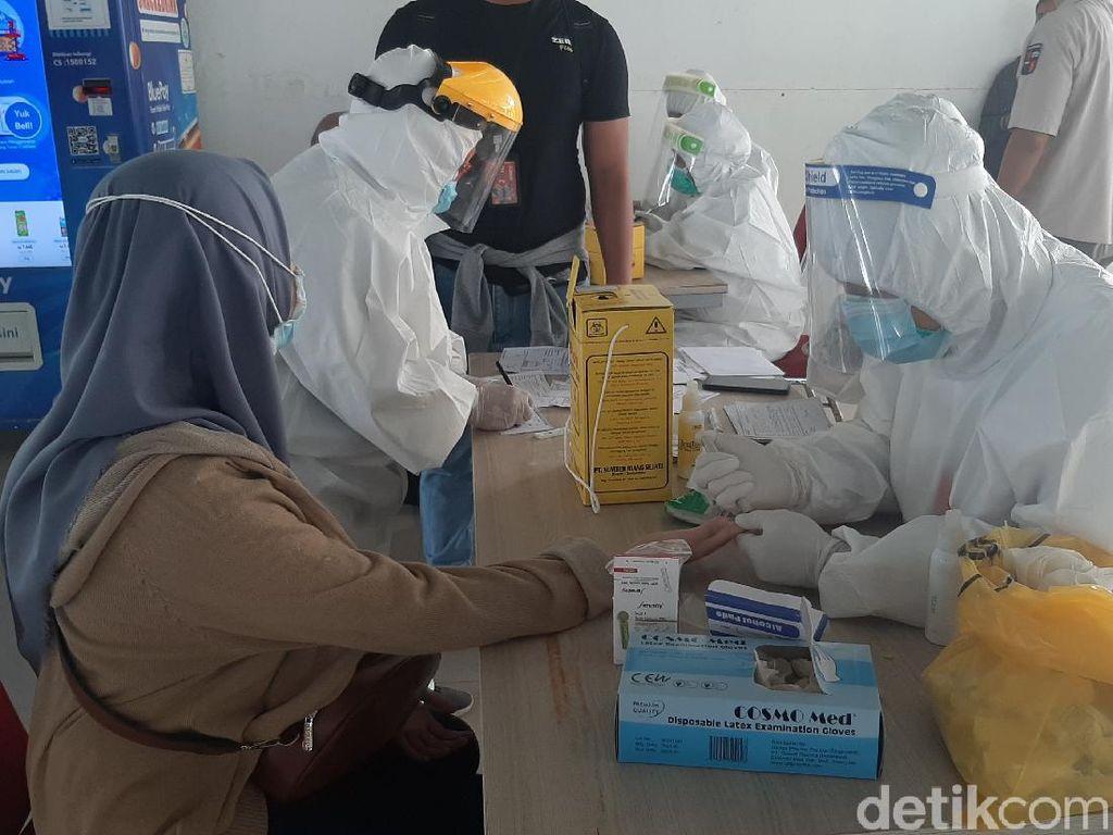 61 Penumpang KRL Tes Rapid di Stasiun Bogor, 1 Orang Reaktif