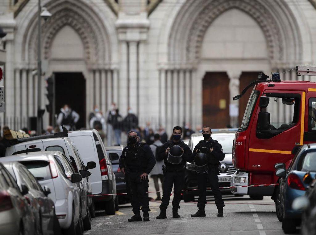 Prancis Tangkap Tiga Orang Terkait Penusukan di Nice